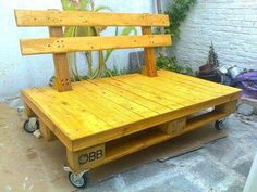 rolling pallet bench