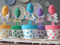 I cannot wait to make these, they are too sweet! Love the colors! Easter Chick Place Holders from Crafts by Amanda @amandaformaro