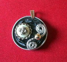 Pendentif capsules nespresso recyclées décorées : Pendentif par tine-creations