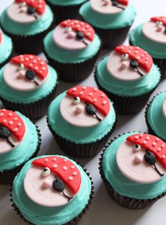 Google Image Result for http://www.dishandspoonfood.co.uk/wp-content/plugins/fresh-page/files_flutter/1308410667BirthdayPirateCupcakes.jpg