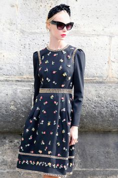 pretty vintage style dress and headpiece. streetstyle