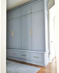 Mudroom Cubbies, Mudroom Cabinets, Built In Cabinets, Cupboards, Built In Lockers, Home Renovation, Home Remodeling, Little Corner, Closet Bedroom