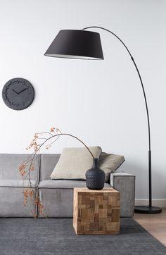 Salon très épuré dans les tons Noir et Gris #black #grey #noir #gris #style #livingroom #fashion #design #interiordesign #homedecor #homedesign