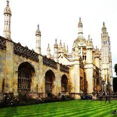 Kings College - University of Cambridge British College, King's College, Places Ive Been, Places To Go, Book Show, Cambridge, Barcelona Cathedral, Travel Inspiration, University
