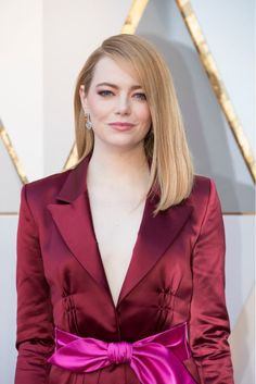 Emma Stone Wore $9 Essie Nail Polish at the 2018 Oscars and Queen Elizabeth Loves It - HelloGiggles
