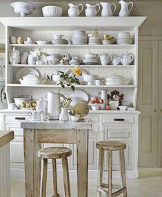 white and shabby kitchen hutch open shelving Country Kitchen, New Kitchen, Kitchen Dining, Kitchen Decor, Kitchen Display, Kitchen Shelves, Country Hutch, Kitchen Storage, Vintage Kitchen