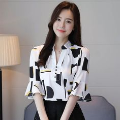 2018 new arrived fashion women tops half printed sleeved blouses women clothing chiffon plus size shirts women blouses 1195 40 Stylish Dress Designs, Stylish Dresses, Fashion Dresses, Blouse Styles, Blouse Designs, Plus Size Shirts, Vintage Style Dresses, Skirt Outfits, Classy Outfits