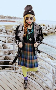 90's grunge done right.