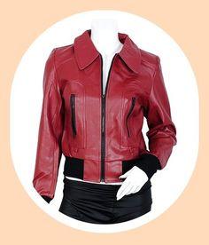 Je vends superbe veste neuve, ideal pour un début de printemps venteux et pluvieux, imitation cuir, joliment fini, ultra mode avec de la classe, couture impeccable.  Super qualité-prix, profitez en vite, à ce prix là, ça ne va pas durer...!  Matière: elle est en simili cuir, l'intérieur est doublée polyester, avec deux poches ext et une fermeture zippée.  Elle existe en 4 couleurs et 3 tailles, en rouge, noir, beige et prune et en T1/S/36, T2/M/38, T3/L/40. Voir mes autres annonces.
