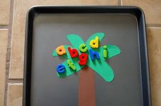 I HEART CRAFTY THINGS: Storytime Tuesday (Chicka Chicka Boom Boom) & the Ultimate Preschool Activity