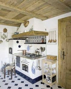 Rustic Kitchen, Kitchen Dining, Small Apartment Kitchen, Country Furniture, Interior Design Kitchen, Home Kitchens, Sweet Home, House Design, House Styles