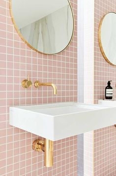 Pink tiles, not a color choice you see often. Would you add pink tiles to your bathroom? Bathroom Toilets, Small Bathroom, Gold Bathroom, Bathroom Ideas, Bathroom Accents, Pink Bathrooms, Bathroom Colors, Pastel Bathroom, Modern Bathroom