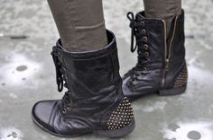 Flashback! Stephenie boots by ShoeMint