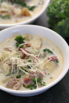 Olive Garden Zuppa Toscana Soup (Copycat Recipe) Zuppa Toscana Suppe, Toscana Soup, Spicy Sausage, How To Cook Sausage, Copycat Recipes, Soup Recipes, Yummy Recipes, Dinner Recipes, Chili Recipes