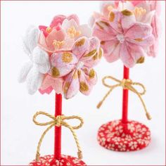 Cherry blossom made from Chirimen-kimono fabric Japanese Colors, Sakura Cherry Blossom, Ribbon Headbands, Kimono Fabric, Japanese Culture, Food Art, Paper Flowers, Diy And Crafts, Place Card Holders