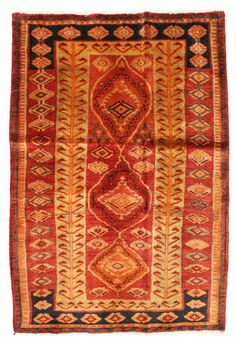 This carpet is knotted by the Lurs, a nomadic tribe in southwestern Iran. The carpet often has geometric patterns and sometimes resemble the Ghashghai carpets. Lori carpet 200x137 cm
