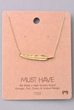 Must Have Collection Feather Pendant Necklace