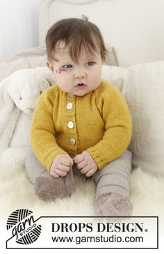 Baby Duck / DROPS Baby - The set consists of: Knitted baby jacket with raglan and socks. The piece is worked in DROPS Alpaca. Baby Knitting Patterns, Baby Sweater Patterns, Baby Sweater Knitting Pattern, Knitting For Kids, Crochet For Kids, Baby Patterns, Free Knitting, Crochet Patterns, Crochet Baby Jacket