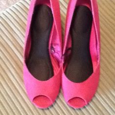 Pink wedges 4 inch heel gently worn, comfy. Decorated wedges, pink suede upper H&M Shoes