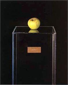 """Yoko Ono: """"Apple"""" (1966)"""
