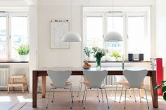 Dining Room with Wooden Dining Table and White Chairs, ikea brasa pendant Informal Dining Rooms, Casual Dining Rooms, Dining Area, Kitchen Table Chairs, Wooden Dining Tables, Wood Table, Ikea, Small Kitchen Layouts, Dining Room Design