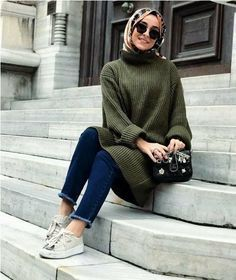 Oversized green sweater-Hijab outfits collection for winter – Just Trendy Girl… Oversized green sweater-Hijab outfits collection for winter – Just Trendy Girls Islamic Fashion, Muslim Fashion, Modest Fashion, Fashion Outfits, Fashion Clothes, Fashion Women, Casual Hijab Outfit, Hijab Chic, Hijab Fashion Casual