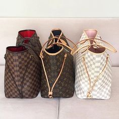 "Head to PurseBop.com for a comprehensive list of 10 bags you should invest  in💰 LINK IN…"" Louis Vuitton ... 5ef4213032d6d"