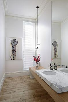 Originales idées pour la déco de salle de bain en bois pour faire une ambiance cool et cosy t faire une atmosphère de relaxe et confort
