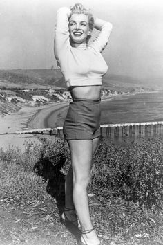 Marilyn Monroe -- love the long sleeve  crop and highwaisted shorts