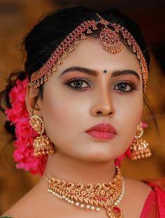 Girl Face, Woman Face, Shraddha Kapoor Bikini, Persian Beauties, Indian Goddess, Glamorous Makeup, Indian Celebrities, Cute Faces, Indian Ethnic
