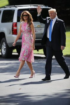 Melania Trump Style as First Lady - Photos of Melania Trump Fashion How To Look Pretty, Pretty In Pink, Milania Trump Style, Malania Trump, John Trump, Monique Lhuillier Dresses, Mode Kawaii, Donald And Melania, Trump Is My President