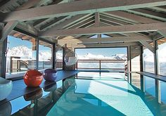 Nendaz Ski chalet with Pool. Looking for a large ski-in ski-out luxury catered or self catered chalet with an indoor swimming pool in Nendaz? Luxury Swimming Pools, Indoor Swimming Pools, Cool Pools, Epic Pools, Ski Chalet, Outdoor Living, Outdoor Decor, Lounge Areas, Jacuzzi