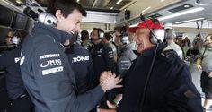 I due dirigenti: Wolff come Direttore Esecutivo e Lauda come Direttore Non Esecutivo, sono intenzion...