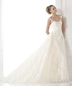 CONSTANCE - A-line lace wedding dress. Pronovias 2015 | Pronovias