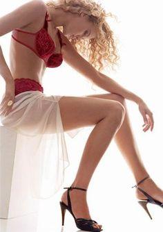 """Scharfe Dessous von Aubade - Verführerische Dessous: BH, Bustier, Body, Corsage, Slip, String oder Panty - Die Dessous dieser Kollektion haben es gehörig in sich: Nicht ohne Hintergedanken heißt dieses Modell """"Angélique, die Extravagante"""", denn man verspricht sich davon prickelnde Momente..."""