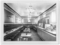 Bonilla,primera churrería en la calle del Orzán,abierta en Noviembre de 1949