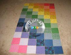 Hacer Un Tapete De Juegos Para Bebé - Tozapping.com Kids Rugs, Contemporary, Home Decor, Rugs, Fabric Balls, Fabric Scraps, Alcohol Games, Craft Tutorials, Hacks