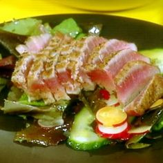 Seared Ahi Tuna and Salad of Mixed Greens with Wasabi Vinaigrette recipe from Rachael Ray. Cooked my tuna differently as I'm not a fan of seasoning, but the wasabi vinaigrette was a keeper! Ahi Tuna Salad, Tuna Avocado, Food Network Recipes, Cooking Recipes, Healthy Recipes, Healthy Food, Delicious Recipes, Vinaigrette Dressing, Japanese Recipes
