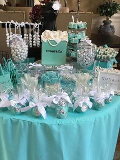 Ideas for breakfast party decorations bridal shower Tiffany Sweet 16, Tiffany Blue Party, Tiffany Birthday Party, Tiffany Blue Weddings, Tiffany Theme, Tiffany Wedding, Birthday Parties, Tiffany Co Party Ideas, Blue Birthday