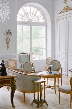 a Magical Château built by the duke d'Isly in in Lanouaille, Dordogne, France Classic Interior, French Interior, Home Interior Design, Interior Architecture, Interior Decorating, French Style Decor, French Style Homes, French Home Decor, French Chic
