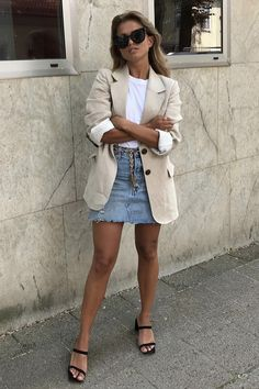 Casual Fashion Show Outfit .Casual Fashion Show Outfit Adrette Outfits, Denim Skirt Outfits, Spring Outfits, Casual Outfits, Fashion Outfits, Blazer Fashion, Denim Skirt Outfit Summer, Cute Preppy Outfits, Denim Outfit