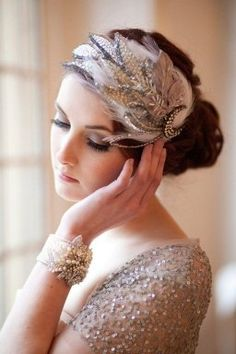 Vintage Hairstyles Bride's looped bun bridal hair Toni Kami Wedding Hairstyles ♥ ❷ Wedding hairstyle ideas with retro Gatsby flapper feather headpiece - Roaring 20s Wedding, Great Gatsby Wedding, Trendy Wedding, 1920s Wedding, Roaring Twenties, Bridal Headpieces, Fascinators, Headpiece Wedding, Fascinator Diy