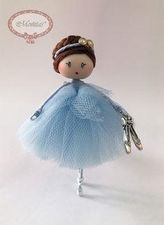 Brooch doll Ballerina light blue Jewelry de Mischic en Etsy https://www.etsy.com/es/listing/492605264/brooch-doll-ballerina-light-blue-jewelry