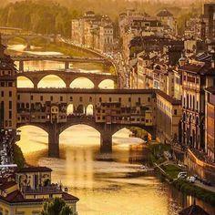 Puente Vecio, Florencia; Italia...