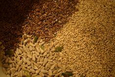 outdoorkids – Lavkarboknekkebrød! Disse VIL du prøve.... <3 How To Dry Basil, Grains, Herbs, Food, Essen, Herb, Meals, Seeds, Yemek