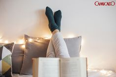 Nada melhor que um silêncio cheio de histórias: escolha um momento do dia para ser só seu e coloque a leitura em dia.