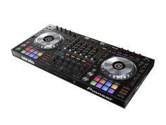 Der DDJ-SZ ist die eleganteste Lösung für den modernen Scratch-DJ und sollte in keinem professionellen Setup fehlen.
