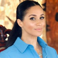hacks makeup tricks ideas Meghan Markle's Been Using a Genius Makeup Trick That Nobody Noticed—Until Now - Glamour Meghan Markle Dad, Estilo Meghan Markle, Meghan Markle Style, Meghan Markle Prince Harry, Prince Harry And Megan, Prince William And Kate, Makeup Tricks, Tonga, Megan Markle Makeup