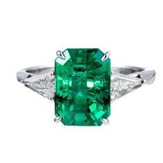 Classic 3.50 Carat Emerald and Trillion Diamond Ring | 1stdibs.com