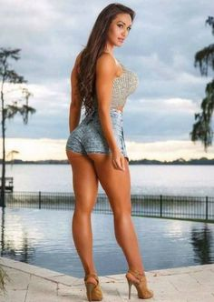 Beautiful Gorgeous, Gorgeous Women, Amazing Women, Amazing Legs, Gorgeous Heels, Good Woman, Sexy Older Women, Fit Women, Sexy Women